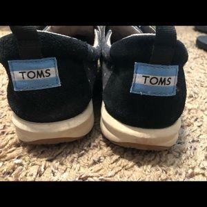 Toms tennis shoes